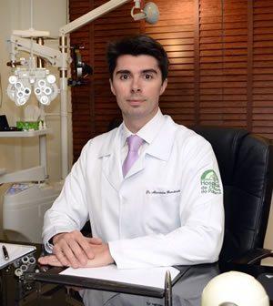 Dr. Alexandre Grandinetti, medico especialista em retina e catarata em Curitiba